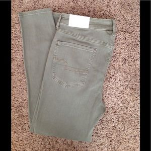 American Eagle High Rise Jegging/Jean Size 16R
